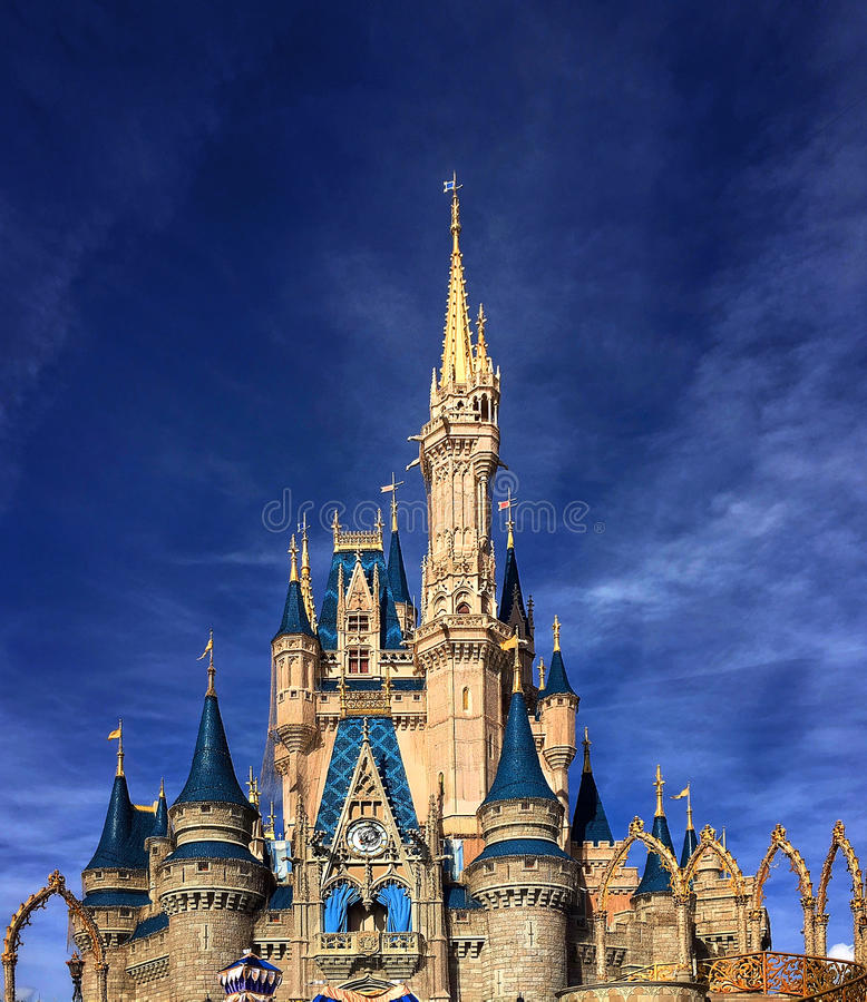 Close up de Cinderella Castle em Walt Disney World fotos de stock royalty free
