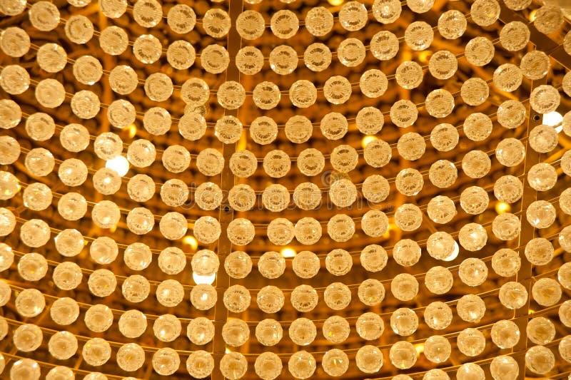 Close-up de cristal luxuoso do candelabro foto de stock royalty free