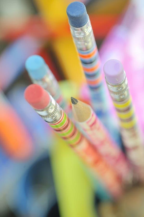 Close up de lápis coloridos imagem de stock