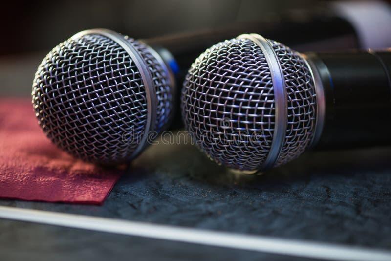 Close up de microfones audio fotografia de stock