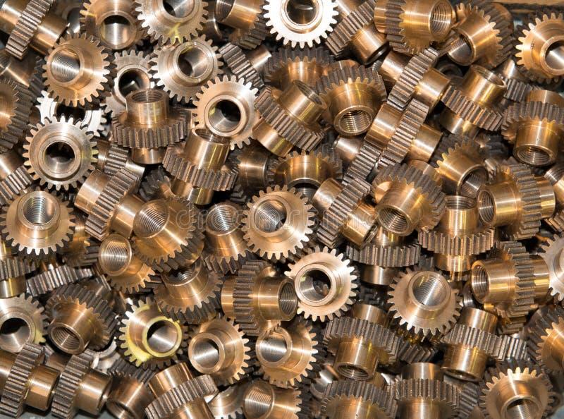 Close up de muitas engrenagens do metal fotos de stock royalty free