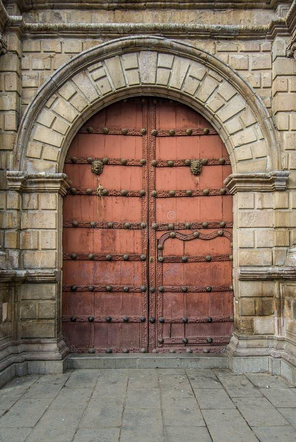 Close-up de portas velhas, La Paz, Bolívia fotografia de stock royalty free