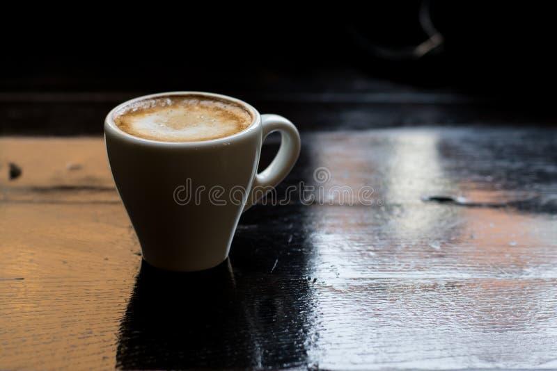 Close up de um copo delicioso do café foto de stock
