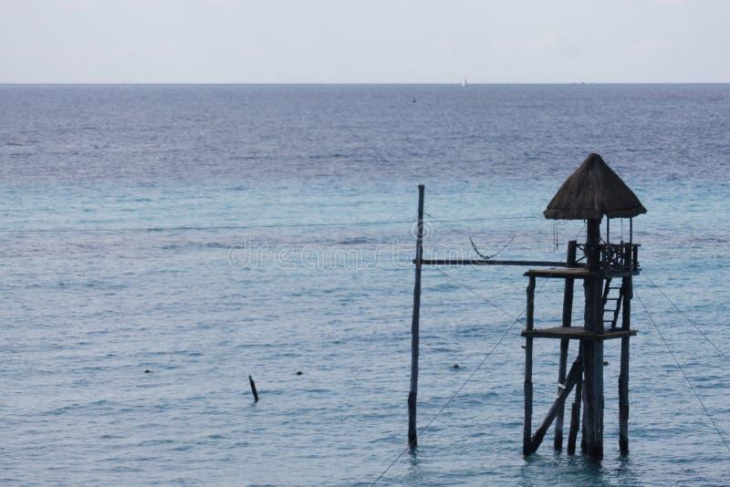 Close-up de um Palapa no mar fotos de stock