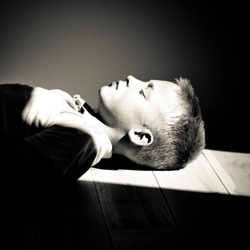 Close-up de um sono do menino imagem de stock royalty free
