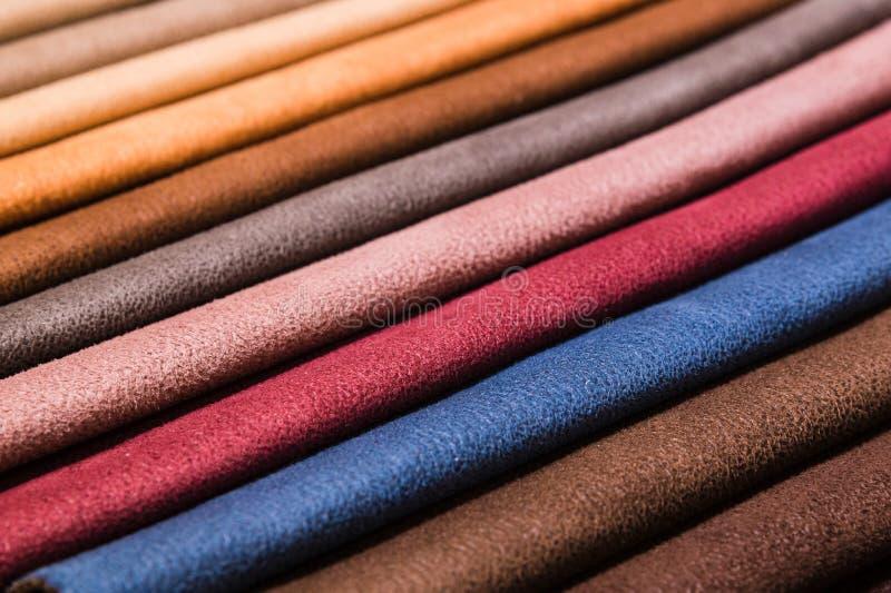 Close-up diagonale lijnen van textielstoffering in steekproeven om de kleur en de stof van het meubilair te selecteren Samenvatti royalty-vrije stock foto's