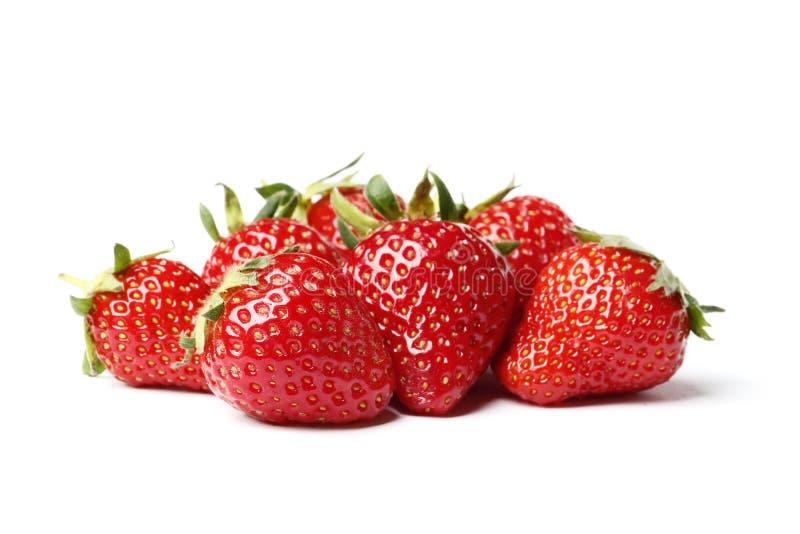 Close up disparado de morangos frescas Isolado no fundo branco imagem de stock