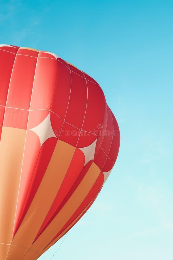 Close-up do balão de ar quente alaranjado fotos de stock