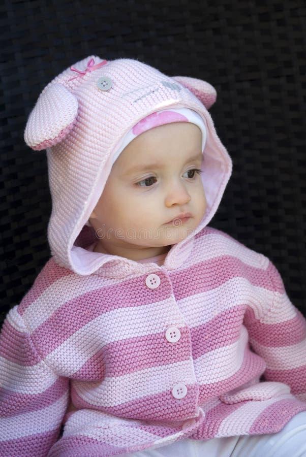 Assento bonito do bebê foto de stock royalty free
