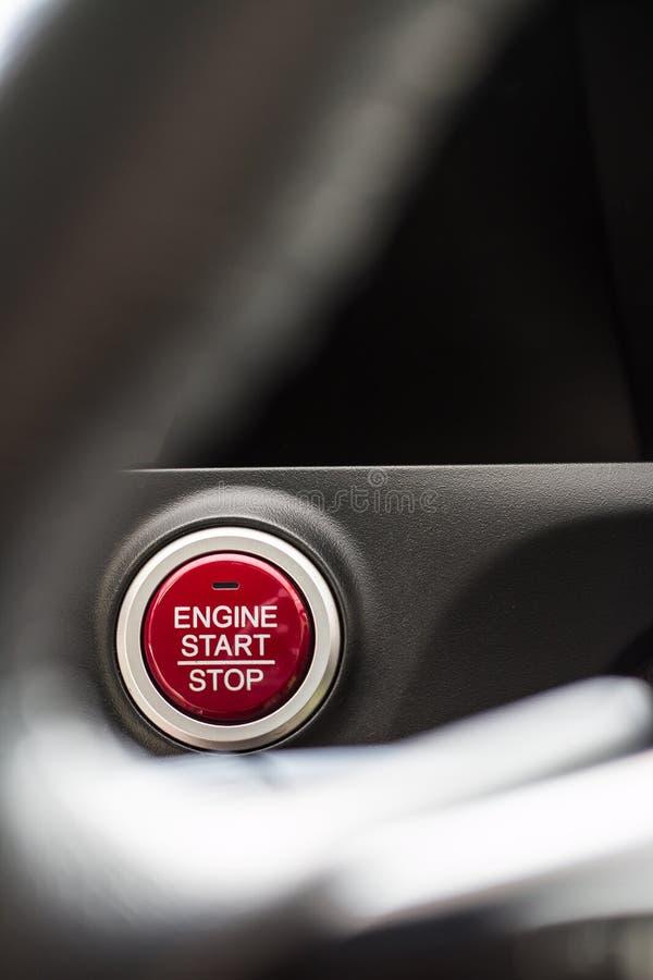 Close-up do botão do começo e de parada do carro imagem de stock royalty free
