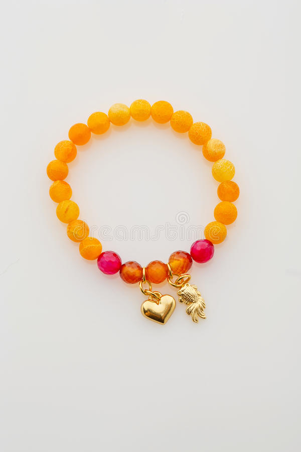 Close up do bracelete de pedra natural foto de stock royalty free