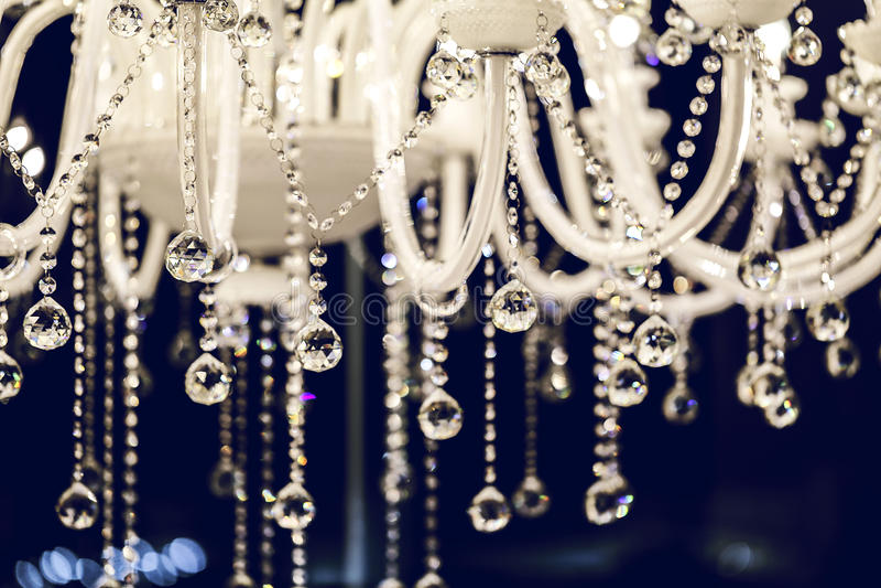 Close-up do candelabro chrystal luxuoso imagens de stock