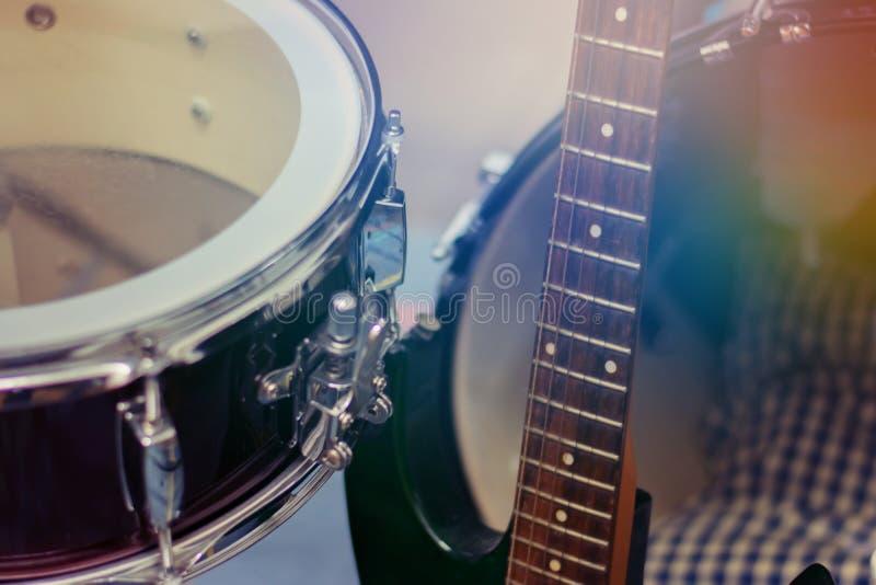 Close up do conceito do cilindro de cilada, dos instrumentos musicais, do delicado e do borrão foto de stock royalty free