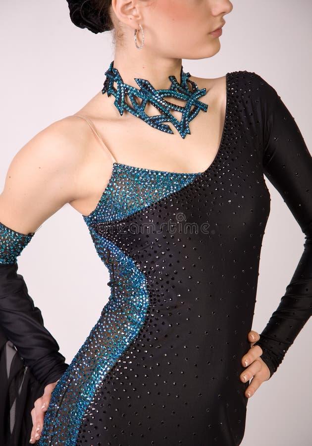 Close-up do dançarino profissional no vestido bonito imagem de stock royalty free