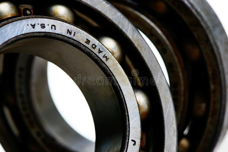 Close up do foco seletivo dos rolamentos de esferas gordurosos foto de stock