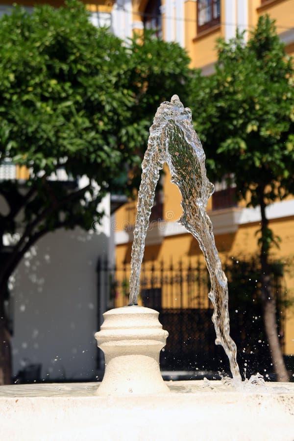 Close up do jato de água da fonte do vintage imagens de stock royalty free
