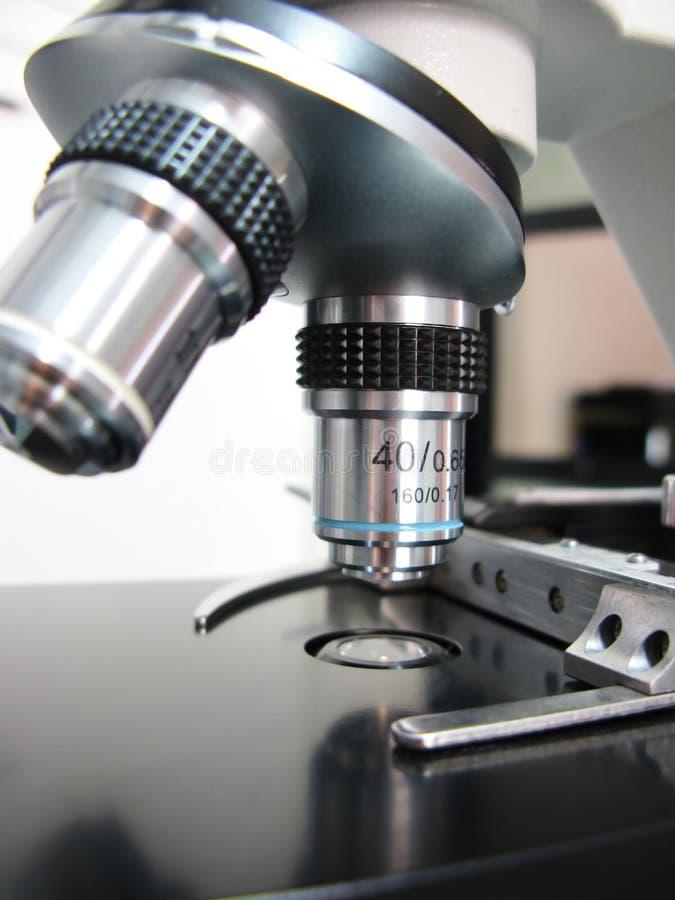 Close up do microscópio fotografia de stock