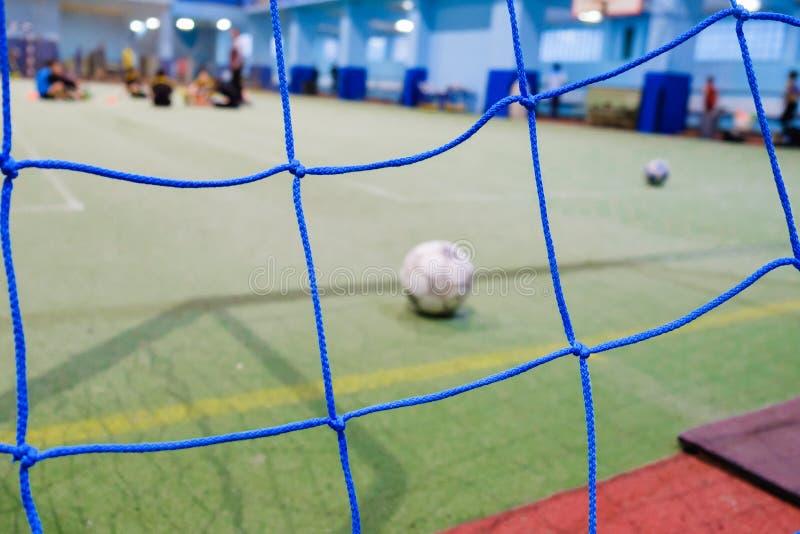 Close-up do mini poste futsal do futebol, grama artificial fotografia de stock
