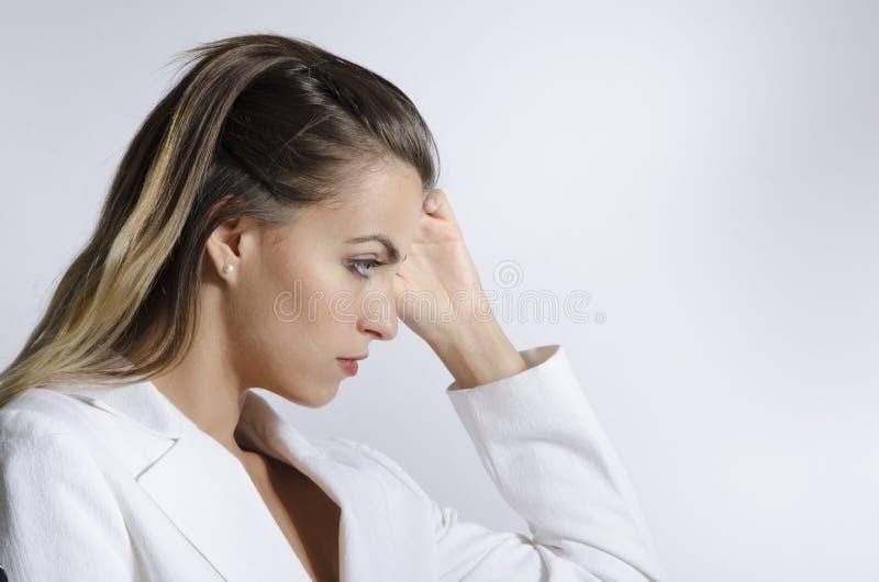 Close up do modelo de forma da jovem mulher imagem de stock