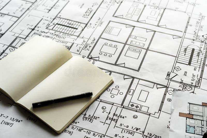 Close up do modelo do plano da casa fotos de stock royalty free