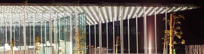 Close up do patamar do teatro nacional bonito de Barém foto de stock royalty free
