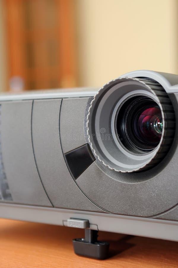 Close-up do projetor do computador imagem de stock