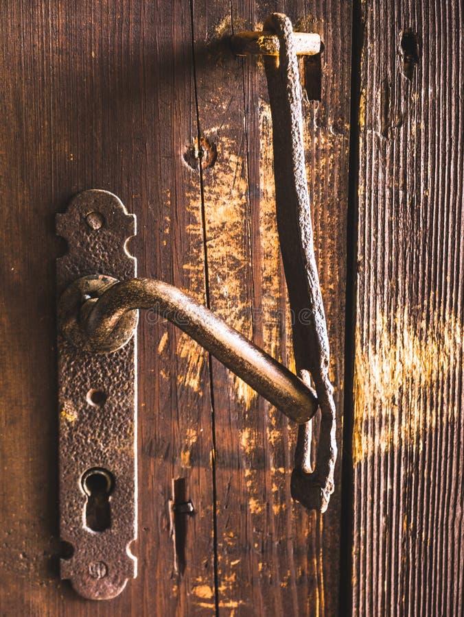 Close-up do puxador da porta e do fechamento imagem de stock royalty free