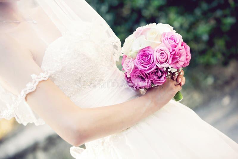 Close up do ramalhete do casamento fotos de stock royalty free