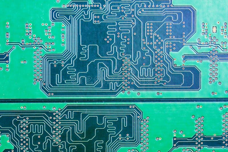 Close-up do verde da microplaqueta de RAM do computador foto de stock