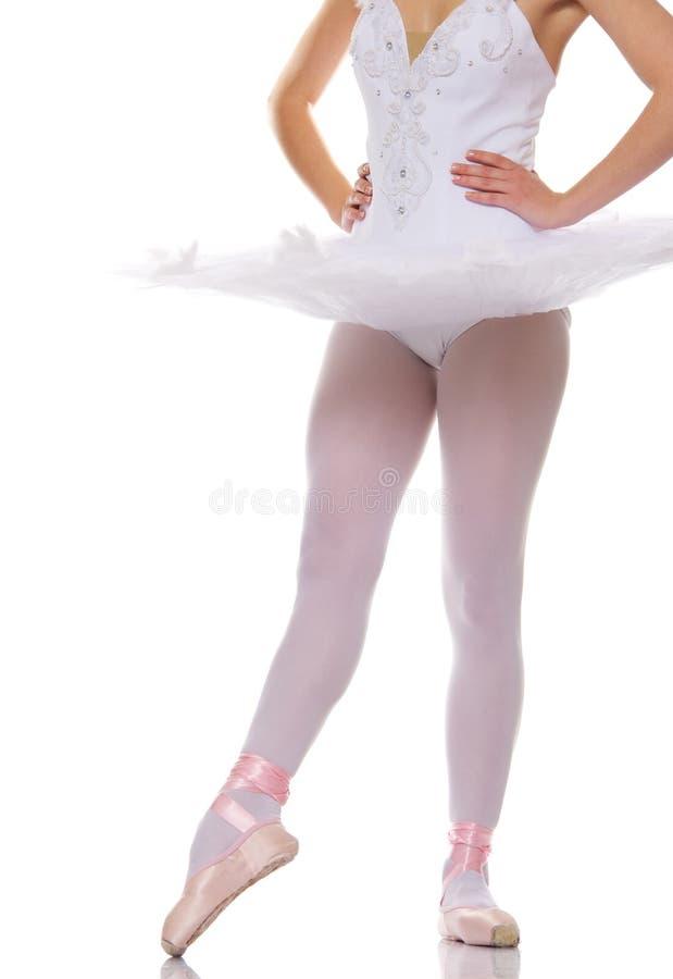 Close-up dos pés de um dançarino de bailado. foto de stock royalty free