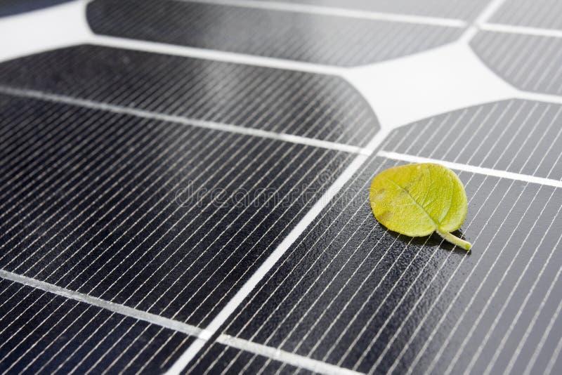 Download Close Up Dos Painéis Solares Foto de Stock - Imagem de pilha, perspective: 12811654
