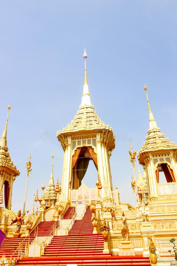 Close up dourado do crematório real para o rei Bhumibol Adulyadej no 4 de novembro de 2017 fotos de stock royalty free
