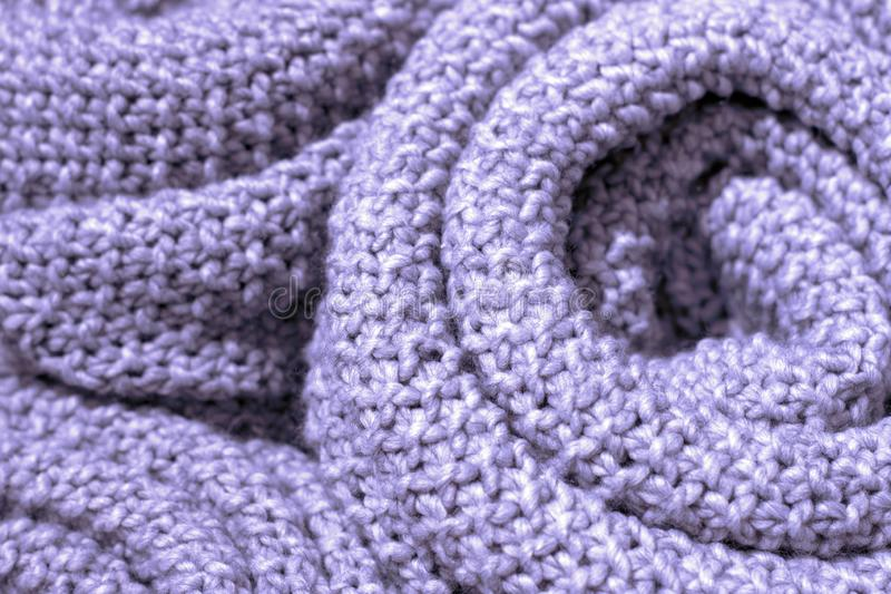 Close-up feito malha de lã da tela da cor na moda da pétala do açafrão, textura, fundo imagens de stock