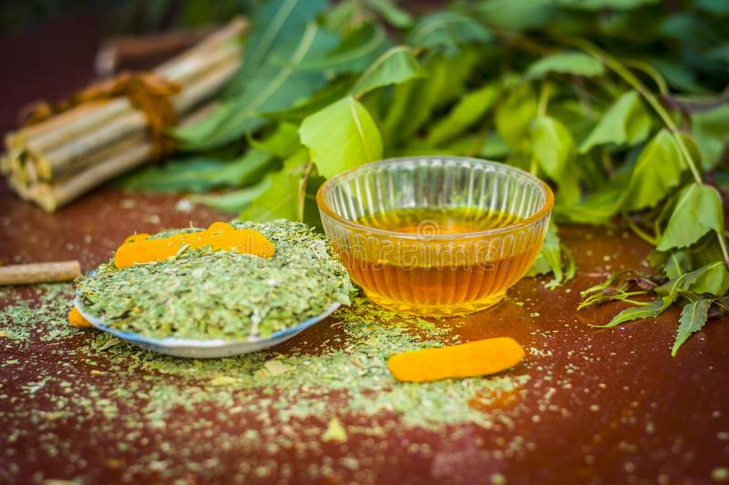 Powder Of Indian Iilac Or Neem With Raw Turmeric Used In