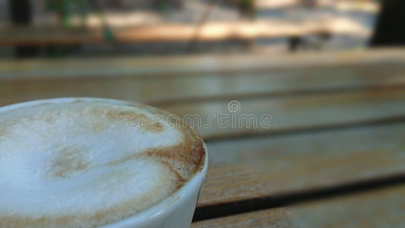 Close up italiano do cappuccino do copo de café fotos de stock
