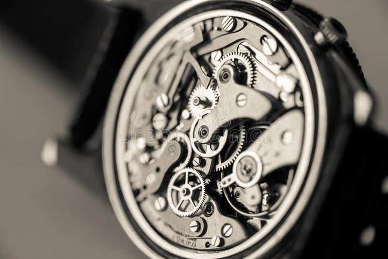 Close-up mecânico do relógio do cronógrafo do vintage imagem de stock royalty free
