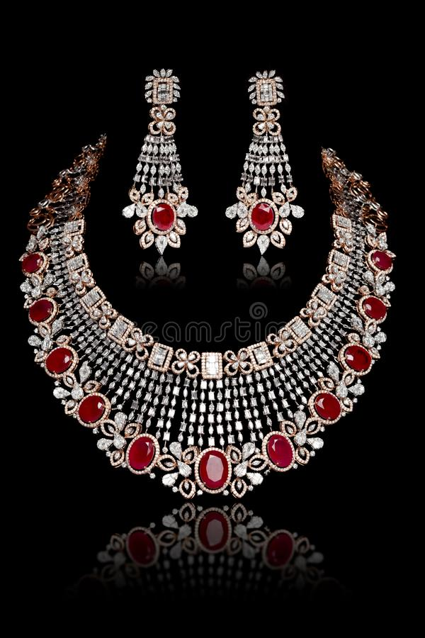 Free Close Up Of Diamond Necklace Set On With Diamond Earring Isolated On Black Stock Photo - 163027680