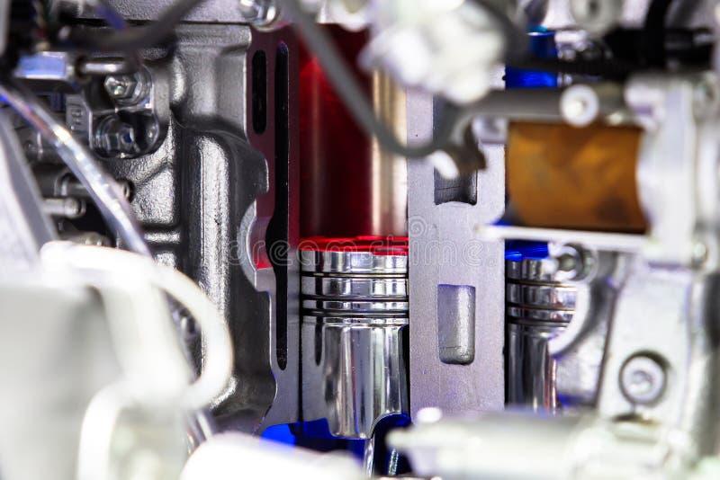 Close-up om nieuwe zuigermotor van een auto te glijden royalty-vrije stock foto's