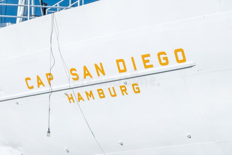 Close-up para o tampão San Diego do sinal no navio imagem de stock royalty free