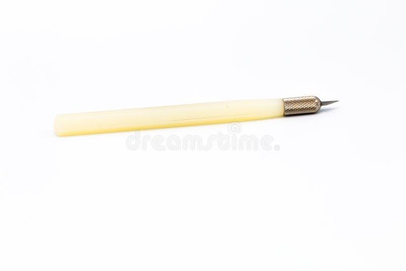 Close-up que cinzelam e ferramenta do cortador isolada no fundo branco imagens de stock royalty free