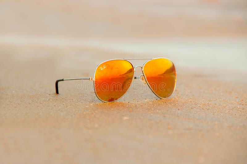 Free Public Domain CC0 Image  Close-up Of Rayban Sunglasses Picture ... 730c144af4