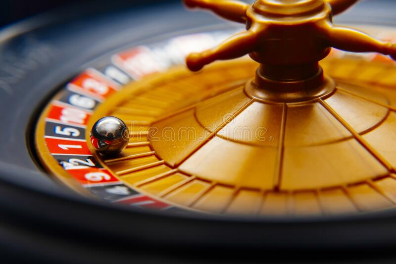 Close Up Of A Russian Roulette Stock Image Image Of Gambling Dollar 171102119 Chatroulette sohbet rastgele random chat sohbet sayesinde dünyanın en güzel kızları ve havalı erkekleri ile canlı chat roulette sohbet imkanı. dreamstime com