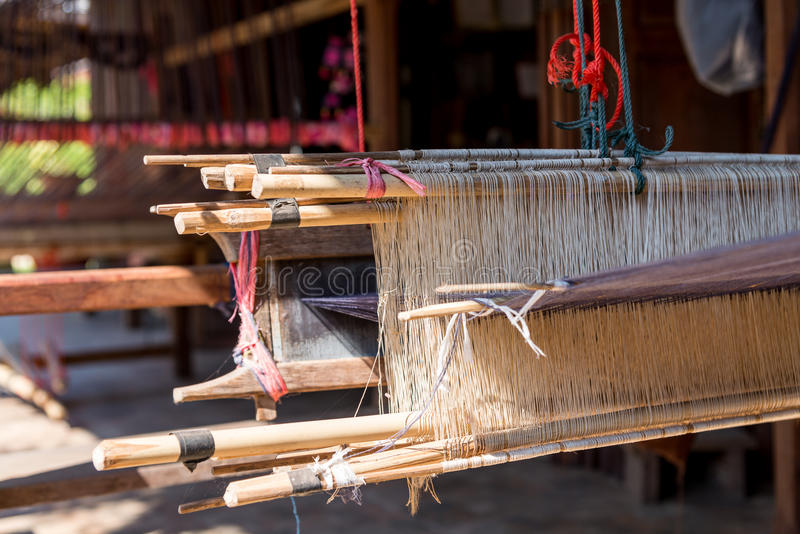 Close-up van Antiek houten Weefgetouw in terras Thais huis royalty-vrije stock afbeelding