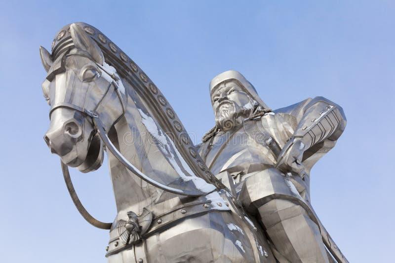 Close-up van beeldhouwwerk van Genghis Khan en paard stock fotografie