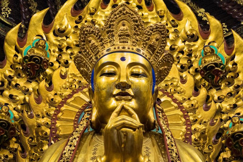 Close-up van Boeddhistisch Godsstandbeeld in de oude longhuatempel China, Shanghai royalty-vrije stock foto