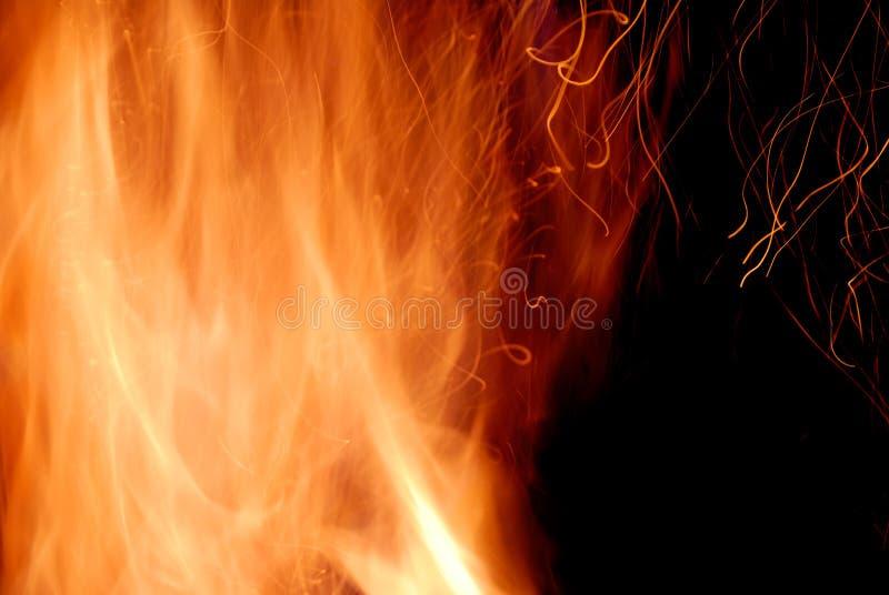 Close-up van brand op een zwarte royalty-vrije stock foto's