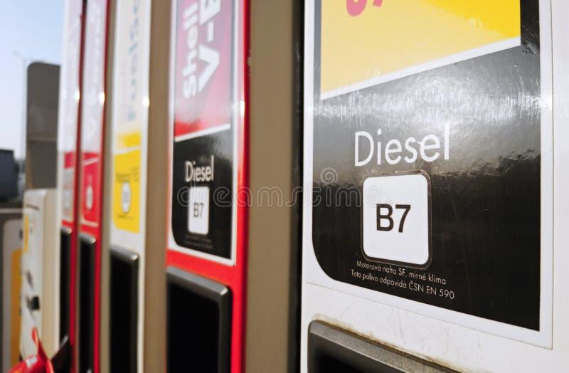 Close-up van brandstofpomp met nieuwe etikettering van brandstof in de gehele EU royalty-vrije stock fotografie