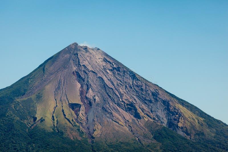 Close-up van de bovenkant van de vulkaan van de Conceptie op Ometepe Eiland, Nicaragua royalty-vrije stock foto