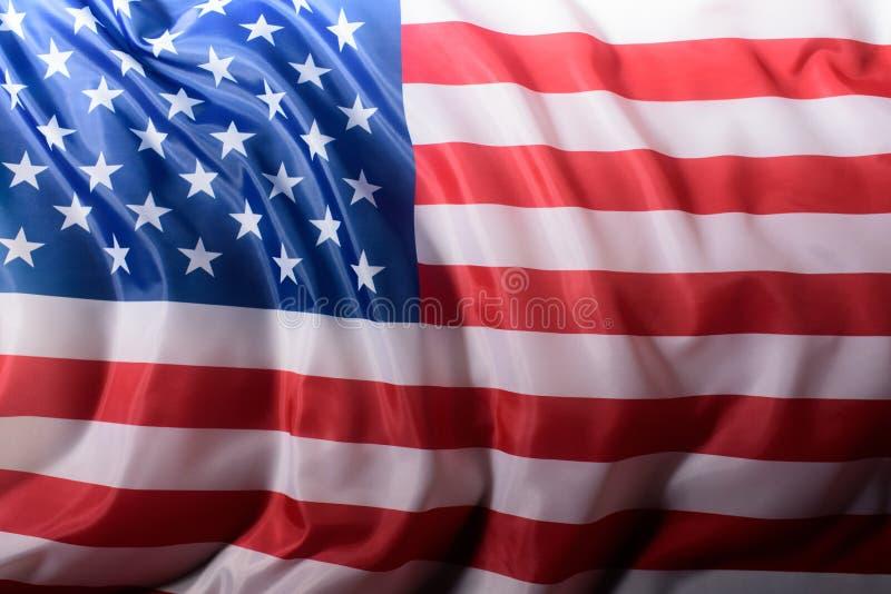 close-up van de golvende vlag van Verenigde Staten, Onafhankelijkheid wordt geschoten die royalty-vrije stock afbeeldingen