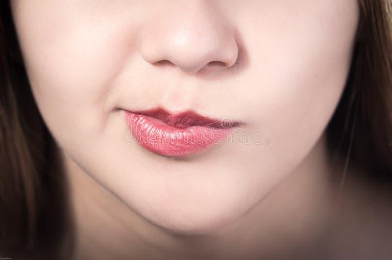 Close-up van de mond van het vrij jonge meisje royalty-vrije stock afbeelding